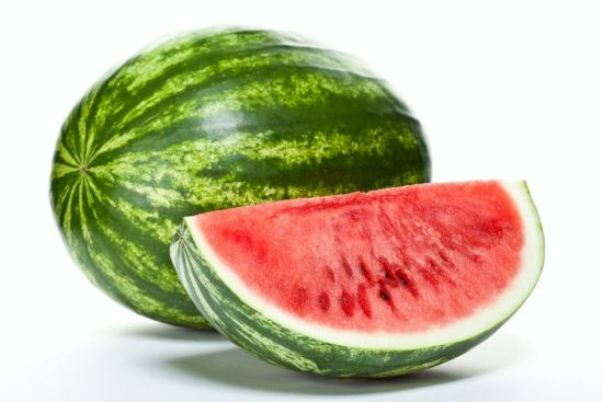 Watermelon is a healthy fruit that dogs can eat